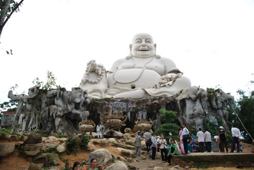 Phật Di Lặc với nụ cười từ bi, an nhiên
