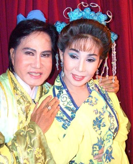 NS Vũ Minh Vương (trái) trong vở