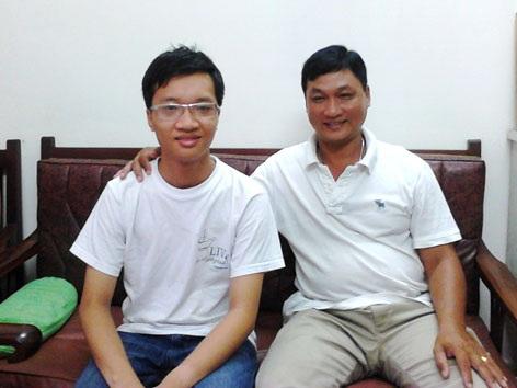 Sự hỗ trợ hết sức của người cha góp phần làm nên thành tíchcủa Phạm Tuấn Huy.