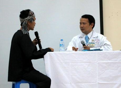 BV quận Bình Tân nhấn mạnh việc phải hướng dẫn rõ ràng, cụ thể cho bệnh nhân qua tiểu phẩm