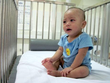 Nguyễn Văn Tý khi còn ở khoa Chống độc tích cực trẻ em, BV Bệnh Nhiệt Đới TPHCM