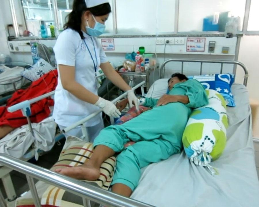 Tư thế nằm nghiêng giúp bệnh nhân phòng tránh vàđiều trịlở loét