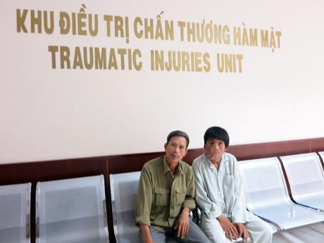 Anh Hoàng Thanh Tuấn trong đợt phẫu thuật khối u ở hàm mặt tại BV Răng hàm mặt Trung ương (TPHCM)