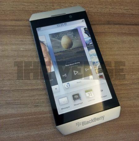 """Rò rỉ hình ảnh Blackberry """"siêu mỏng"""" của RIM - 1"""