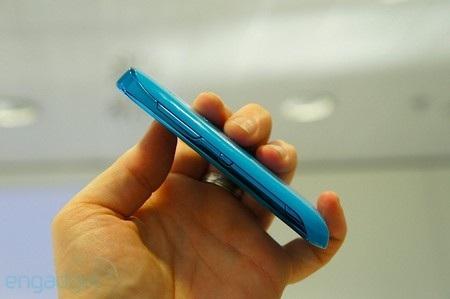 """Nokia """"tấn công"""" MWC 2012 với loạt điện thoại giá rẻ - 6"""