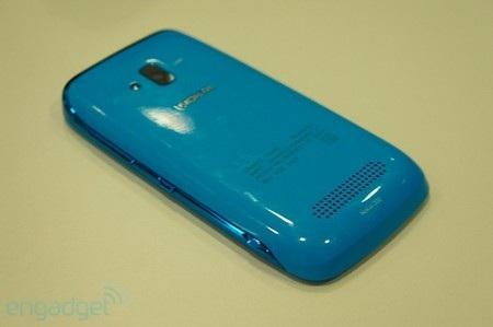 """Nokia """"tấn công"""" MWC 2012 với loạt điện thoại giá rẻ - 8"""