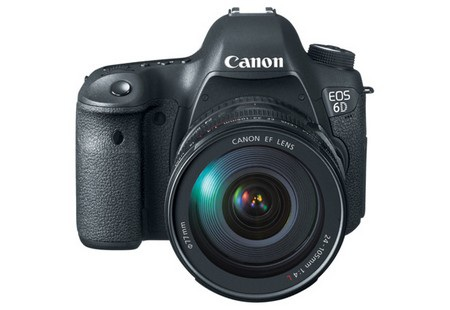 Đây là chiếc DSLR đầu tiên của Canon được trang bị chức năng kết nối Wifi