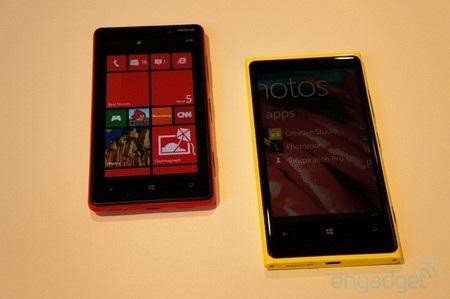 Lumia 820 dọ dáng với Lumia 920