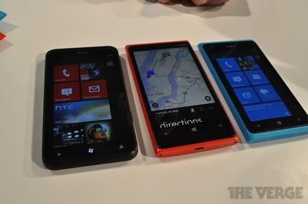 Bộ 3 Lumia đọ dáng (Lumia 820, 920 và 800)
