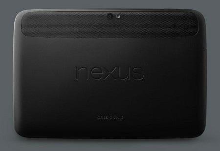 Mặt sau với logo Nexus và camera 5 megapixel