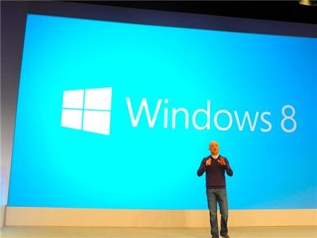 Steve Sinofsky mở màn cho sự kiện ra mắt Windows 8