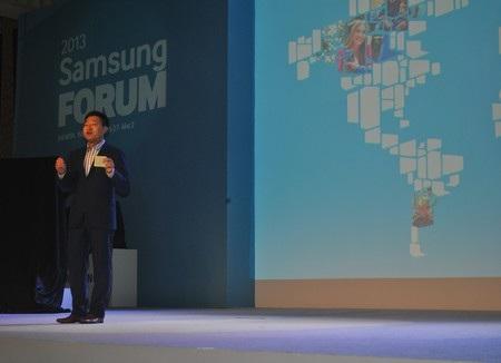 Ông Gregory Lee phát biểu tại SEA Forum 2013