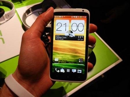 """Những smartphone """"hàng hiệu"""" giá dưới 10 triệu đồng"""