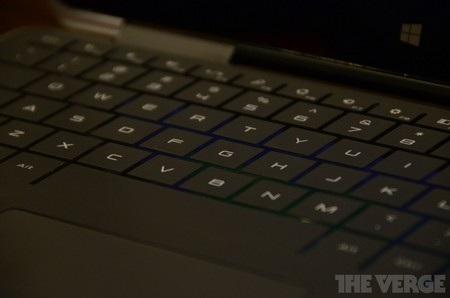 Cận cảnh bàn phím của Dell XPS 11