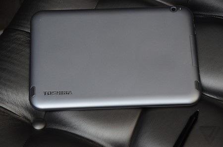 Bộ 3 máy tính bảng Excite mới có thể gắn với bàn phím rời để sử dụng như laptop