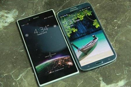 Xperia Z Ultra có kích cỡ vượt trội so với Galaxy Mega 6.3 (màn hình 6.3-inch) của Samsung