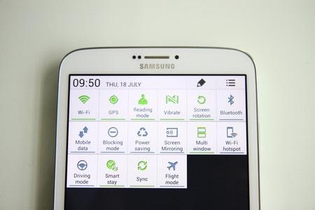 Các tùy chọn thiết lập nhanh trên Galaxy Tab 3 8.0 khá giống với trên smartphone của Samsung