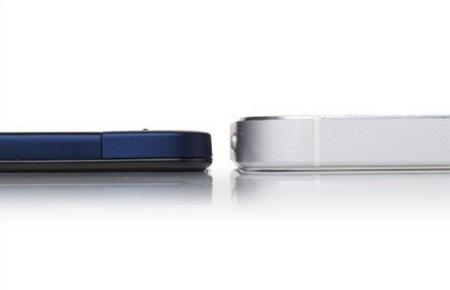 Vivo X3 (trái) đọ độ dày với iPhone 5 (dày 7,6mm)