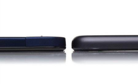 Vivo X3 (trái) đọ độ dày với máy nghe nhạc iPod Touch thế hệ 5 (dày 6,1mm)