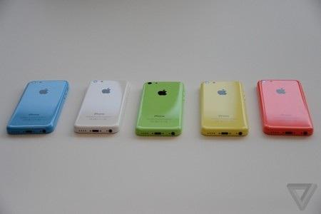 Điểm nhấn ấn tượng nhất trên iPhone 5C đó là có nhiều màu sắc để lựa chọn