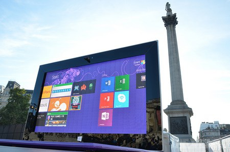 Các nhân viên Microsoft, những người đã tham gia lắp đặt sản phẩm