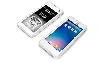 YotaPhone gây ấn tượng với thiết kế 2 màn hình trước và sau