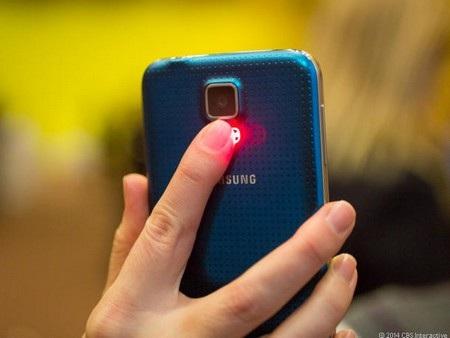 Cảm biến nhịp tim là chức năng rất được chú ý trên Galaxy S5