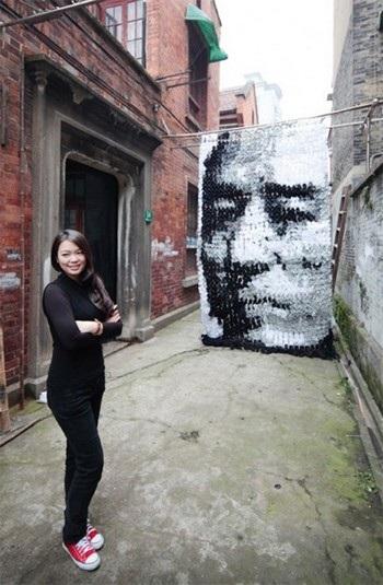 Bức tranh đạo diễn Trương Nghệ Mưu từ những chiếc tất