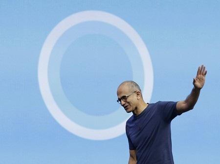 Satya Nadella đã có một tuần nhiều biến động với một vị CEO mới