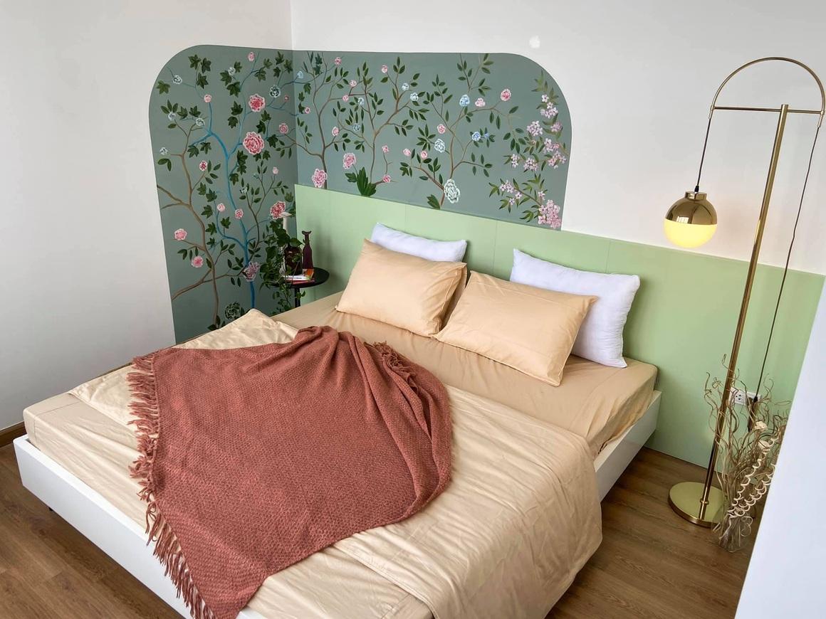 Ngắm căn hộ của gia chủ khó tính: Nội thất đẹp, lạ với tông màu xanh đậm - 11