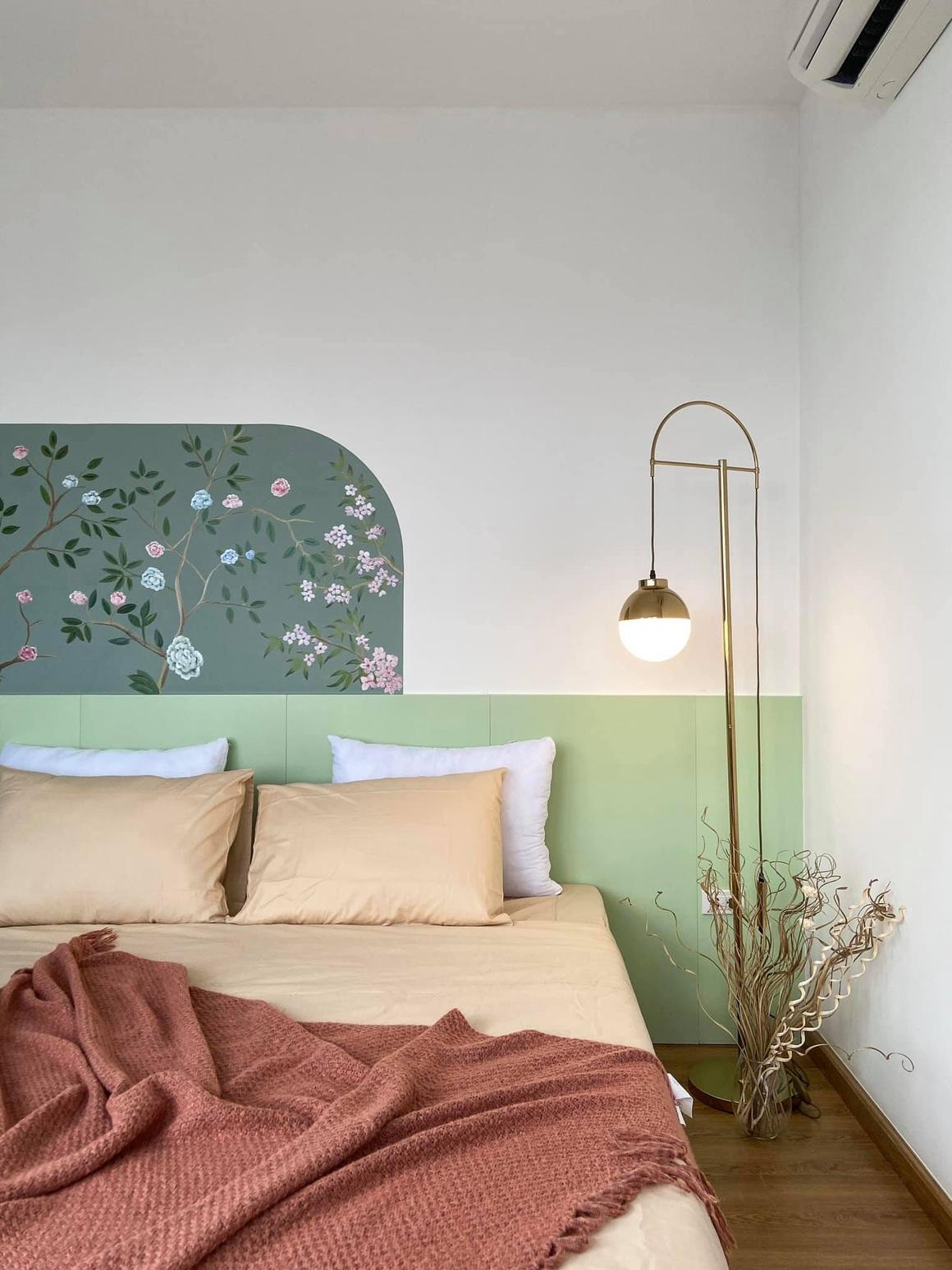 Ngắm căn hộ của gia chủ khó tính: Nội thất đẹp, lạ với tông màu xanh đậm - 12