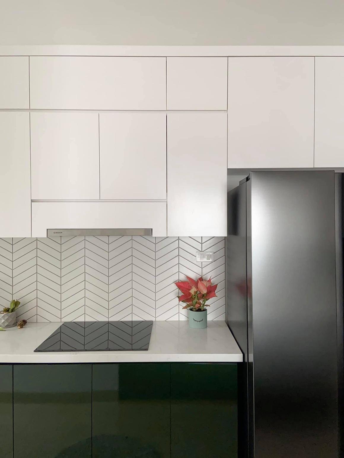 Ngắm căn hộ của gia chủ khó tính: Nội thất đẹp, lạ với tông màu xanh đậm - 7