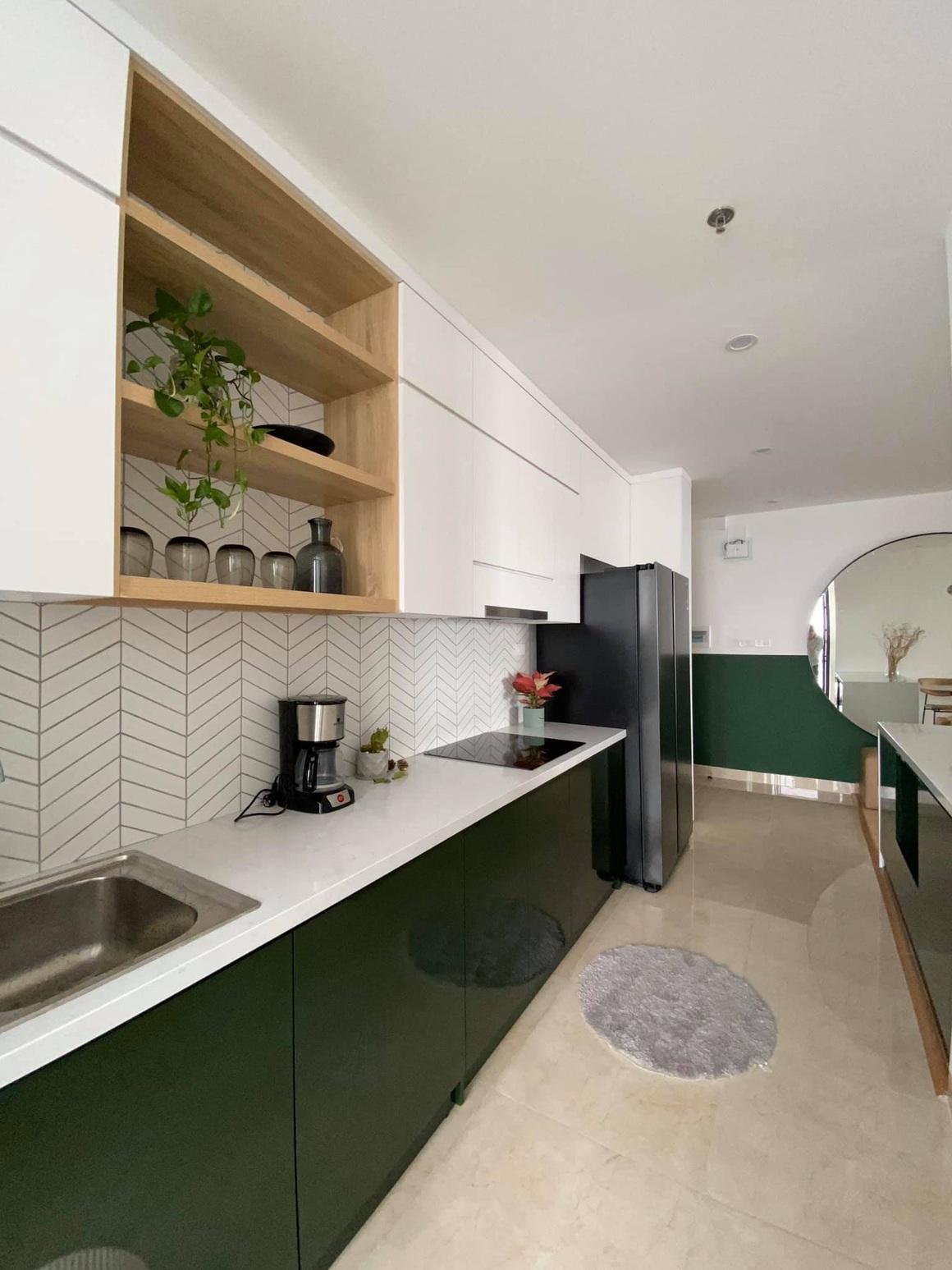 Ngắm căn hộ của gia chủ khó tính: Nội thất đẹp, lạ với tông màu xanh đậm - 6