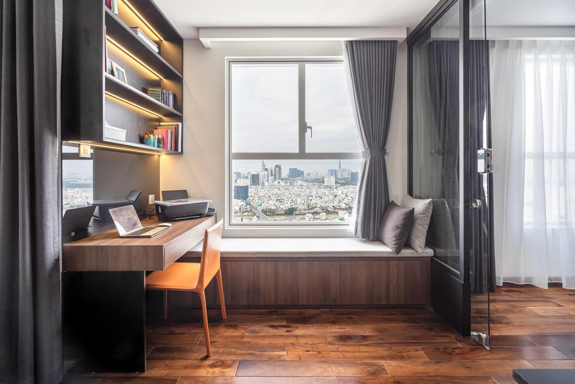 Căn hộ 115 m2 lạ mắt với nội thất tông màu đen chủ đạo - 11