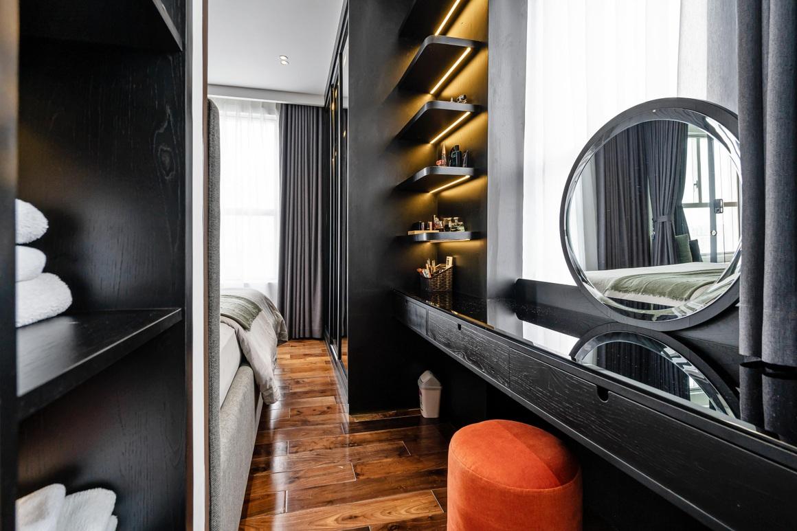 Căn hộ 115 m2 lạ mắt với nội thất tông màu đen chủ đạo - 7