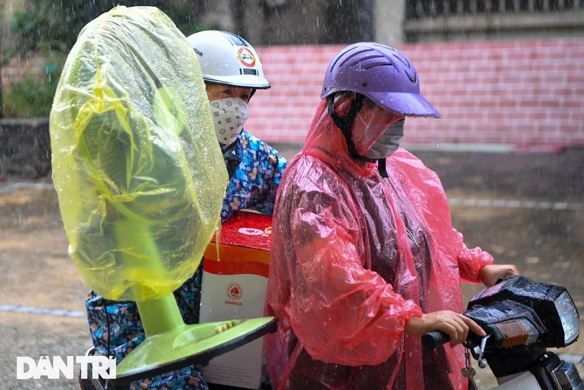 Đón 85 công dân phường Thanh Xuân Trung trở về nhà sau hơn 20 ngày cách ly - 12