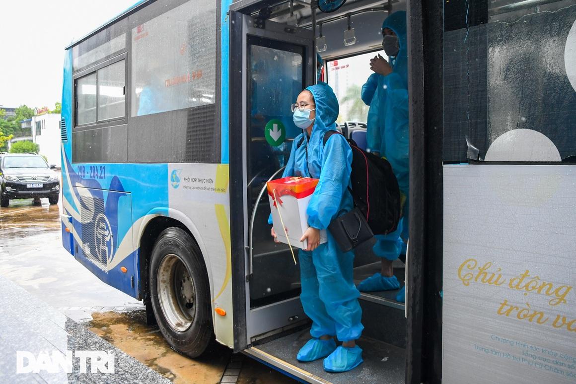Đón 85 công dân phường Thanh Xuân Trung trở về nhà sau hơn 20 ngày cách ly - 3