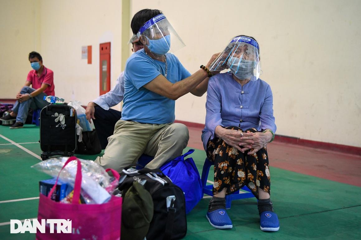 Đón 85 công dân phường Thanh Xuân Trung trở về nhà sau hơn 20 ngày cách ly - 6