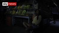 Cuộc sống trong bóng tối của người dân Venezuela do mất điện