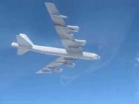 Su-27 Nga chặn máy B-52 của Mỹ gần biên giới