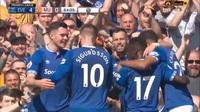 """Walcott ấn định chiến thắng """"4 sao"""" cho Everton trước Man Utd"""