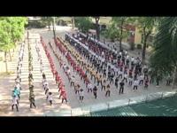 Màn flashmob thú vị của học sinh khối 12 THPT Yên Hòa