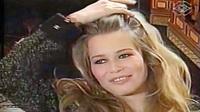 Claudia Schiffer trả lời phỏng vấn năm 1995