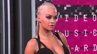 Rita Ora bốc lửa dự giải VMA 2015