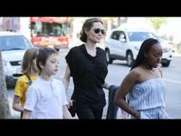 Angelina Jolie đưa con đi ăn trưa