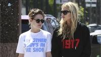 Kristen Stewart & Stella Maxwell cùng đi ăn trưa