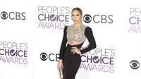 Jennifer Lopez thanh lịch trên thảm đỏ