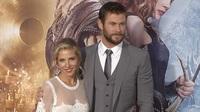 Chris Hemsworth & Elsa Pataky đẹp đôi trên thảm đỏ