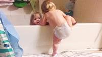 Clip vui: Những khoảnh khắc hài hước của bé