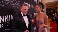 Daniel Craig điển trai trả lời phỏng vấn